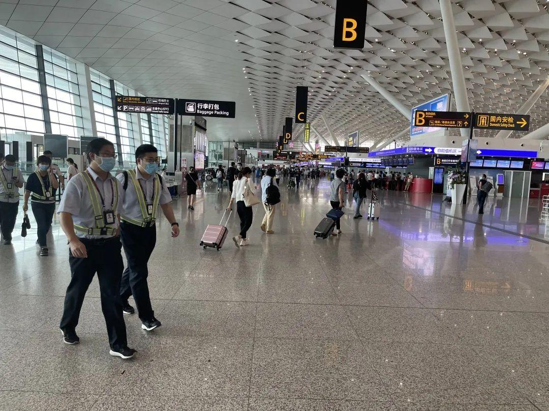 机场巴士、出租车、网约车(少量)正常运行-东莞货运公司