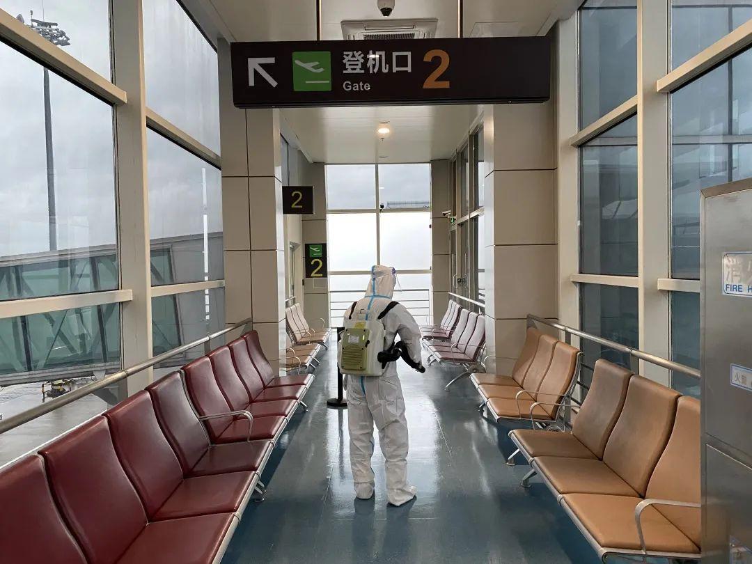 """(2) 涉及中高�L�U所在地其他低�L�U地�^的旅客 : 持有 72小�r�群怂�z�y�性�C�� (或能�虺鍪景�含72小�r�群怂�z�y�性�C��""""健康�a"""")的-���H快�f"""