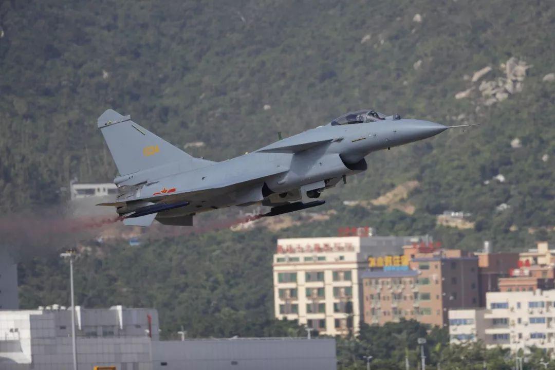 歼-20:你们这些大猪蹄子 !|新闻动态-飞翔通航(北京)服务有限责任公司